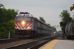 Metra rush at Fairview (Photo.mpw) Tags: bnsfchicagosub metrarail bnsfracetrack railfanning racetrack f40phm bnsf metra