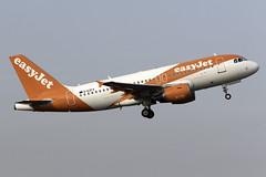 easyJet A319 G-EZFX at Birmingham Airport BHX/EGBB (dan89876) Tags: easyjet uk airbus a319 a319111 gezfx birmingham international airport takeoff 15 bhx egbb