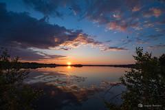 Lever de soleil 03 juillet 2019 (jackbeau) Tags: 2019 heurebleue juillet lacmiroir leverdesoleil miroir nuages nuagesoranges nuagesrouges osisko reflets soleilorange
