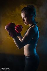 Marine : boxing - 04 (Photo(c)Mobile) Tags: imagin studio boxe atelier modèle canon model ef50mmf14 eos6dmarkii marinemoreteau portrait france color women lyon femme workshop shooting boxing fr couleur patman patrickmanoux auvergnerhônealpes photocmobile