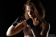 Marine : boxing - 01 (Photo(c)Mobile) Tags: studio boxe atelier modèle imagin portrait canon model workshop shooting boxing tamronsp85mmf18divcusdf016 eos6dmarkii marinemoreteau france color women lyon femme fr couleur patman patrickmanoux auvergnerhônealpes photocmobile