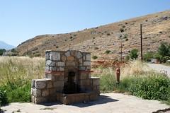 Κρήνη στο Ακόντιο Βοιωτίας (Fountain in the village of Akontio of Viotia). (Giannis Giannakitsas) Tags: βοιωτια viotia boeotia ακοντιο μπισμπαρδι κρηνη fountain