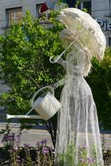 Lady Gardener (John of Witney) Tags: statue gardener garden turin torino italy italia lacittàmetropolitanaditorinovistadavoi
