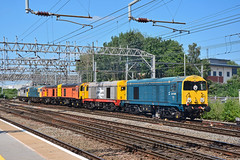 20096 20132 20311 20314 33035 56091 56103 6Z56 Crewe (British Rail 1980s and 1990s) Tags: train rail railway loco locomotive lmr londonmidlandregion mainline wcml westcoastmainline cheshire livery crewe liveried traction diesel station br britishrail ee englishelectric type1 20 class20 brcw sulzer type3 type5 grid 33 56 class33 class56 blue railfreight hnrc orange 6z56 dcr bar devoncornwallrailway convoy elr eastlancsrailway dieselgala 56103 56091 33035 20314 20311 20132 20096