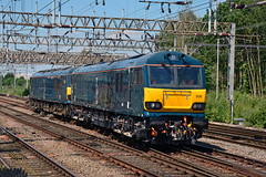 92006 92033 0Z92 Crewe (British Rail 1980s and 1990s) Tags: train rail railway loco locomotive lmr londonmidlandregion mainline wcml westcoastmainline cheshire livery crewe liveried traction diesel station br britishrail gbrf europorte cs caledoniansleeper brush electric ac 92 class92 92006 92033 0z92