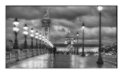 Pont Alexandre III on a rainy evening (Nico Geerlings) Tags: ngimages nicogeerlings nicogeerlingsphotography nightphotography streetphotography paris france pontalexandre rain raining rainy invalides architecture