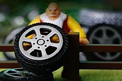 BEST ADRES FOR WHEELS    DE WIELENREUS (Anne-Miek Bibbe) Tags: wheels wielen pech wheelsforsale wielentekoop macromondays macro happymacromonday canoneos70d annemiekbibbe bibbe nederland 2019 tabletopphotography reus giant