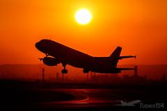 "OE-LBZ | Austrian Airlines (""Star Alliance"" livery) | Airbus A320-214 | VIE/LOWW (Tushka154) Tags: spotter austrianairlines a320214 oelbz austria a320 vienna airbus schwechat a320200 airbusa320 aircraft airplane avgeek aviation aviationphotography flughafenwien loww planespotter planespotting spotting viennaairport viennainternationalairport wien"