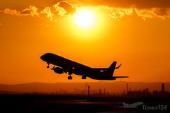 OE-LWM | Austrian Airlines | Embraer ERJ-195LR (ERJ-190-200 LR) | VIE/LOWW (Tushka154) Tags: embraer spotter erj195 austrianairlines austria vienna oelwm schwechat erj195lr aircraft airplane avgeek aviation aviationphotography erj190200lr flughafenwien loww planespotter planespotting spotting viennaairport viennainternationalairport wien