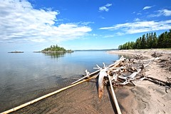 DRIFTWOOD BEACH, SPIRIT ISLAND, LAKE SUPERIOR, MICHIPICOTEN RIVER VILLAGE ON CANADA, NEAR WAWA ON CANADA AND MICHIPICOTEN FIRST NATION ON CANADA, ACA PHOTO (alexanderrmarkovic) Tags: driftwoodbeach spiritisland lakesuperior michipicotenrivervillageoncanada nearwawaoncanadaandmichipicotenfirstnationoncanada acaphoto northern ontario canada north northernontario landscape clearwaters crystalclearwarers driftwood beach whitesand forest coastline