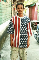 american flag fashions in thailand (1) (the foreign photographer - ฝรั่งถ่) Tags: man american flag shirt khlong thanon portraits bangkhen bangkok thailand canon fashion happyplanet asiafavorites