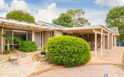 8 Tuckett Place, Calwell ACT 2905