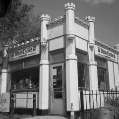 white-castle (kaumpphoto) Tags: rolleiflex 120 tlr ilford hp5 bw black white street urban city sign minneapolis whitecastle burgers fastfood americana