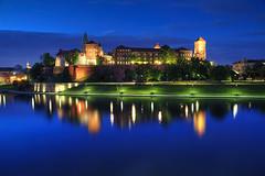 Krakow Blues (hapulcu) Tags: cracovia cracovie krakau krakow lenkija poland polen pologne polonia polonya polska burg castle primavera printemps schloss spring