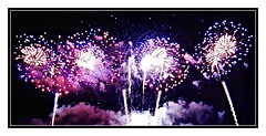 Lollipop Fireworks (bigbrowneyez) Tags: canadaday fireworks downtown celebrations explosions fun party colourful lollipps night frame cornice belli spari festa beautiful fabulous striking designs stunning awesome cool pretty ottawa tribute gorgeous smoky july1st 2019 explosives