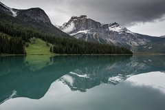 Emerald lake refelctions at Yoho national Parc. (Bloemmen) Tags: goodlife lakes travel canada yohonationalparc yoho emeraldlake