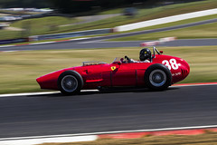 Ferrari Dino BR01 - Brands Hatch (E_W_Photo) Tags: ferrari dinobr01 legendssuperprix hgpca brandshatch motorsport motorracing car panning grand prix canon 80d 70200mmf4lis