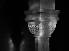 just a little light (Elmar Egner) Tags: kapitell krypta monochrom servatius stservatii quedlinburg romanesque romanik zeiss carlzeiss distagont235