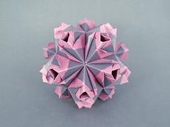 Moonlight (masha_losk) Tags: kusudama кусудама origamiwork origamiart foliage origami paper paperfolding modularorigami unitorigami модульноеоригами оригами бумага folded symmetry design handmade art