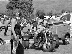 70's hippie street style (cami.carvalho) Tags: people pessoas retrato portrait gente rua street estilo style streetstyle moto motorcycle hippie hippiestyle estilihippie 70shippiestyle 70s anos70