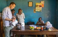 Jane and Josphat watches closely as Klaus teaches our brewing recipies (Coffee Collective) Tags: coffee kenya directtrade nyeri kieni mugaga karatina coffeecollective