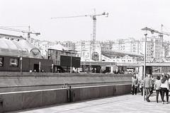 Дом на набережной (vadimovich072) Tags: film fortepan100 nikonf90 nikkor 35135mm af moscow russia analog bw pyrocathd архитектура набережная аналоговая монохромный