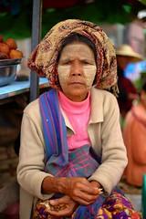 Kalaw market, Burma (_JLC_) Tags: myanmar burma birmania kalaw lagoinle inlelake inle retrato portrait people canon canon6d eos 6d 5018stm 50mm18 50mm flickrtravelaward