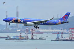 China Eastern Airlines Airbus A330-343 B-6507 (Shanghai Disney Resort livery). (* Raymond C.*) Tags: china eastern airlines mu hkg vhhh airbus a330343 b6507 shanghai disney