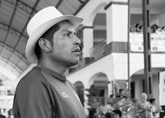 Paisano de Totontepec (Marcos Núñez Núñez) Tags: portrait streetportrait street national streetphotography bw blancoynegro canon canoneosrebelt5 blackandwhite mx méxico oaxaca totontepec retrato calle