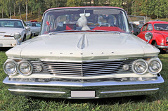 1960 Pontiac Laurentian (crusaderstgeorge) Tags: crusaderstgeorge cars classiccars chrome 1960pontiaclaurentian 1960 pontiac laurentian americancars americanclassiccars americancarsinsweden högbo sweden sverige