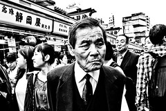 Asakusa Moment (Victor Borst) Tags: street streetphotography streetlife reallife real realpeople asian asia asians fa faces candid travel travelling trip traveling urban urbanroots urbanjungle blackandwhite bw mono monotone monochrome asakusa tokyo fuji fujifilm xpro2 expression expressions japan japanese traffic
