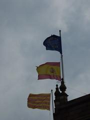 Banco de Espana - Plaça de Catalunya, Barcelona - EU, Spanish and Catalan flags (ell brown) Tags: barcelona catalonia catalunya spain españa tree trees plaçadecatalunya cataloniasquare plazadecataluña passeigdegràcia rambladecatalunya larambla portaldelàngel rondadesantpere carrerdevergara carrerdepelai flag flags euflag europeanunionflag spainflag spanishflag catalanflag cataloniaflag bancodeespana