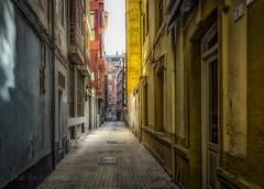Alley Espaciosa (danilob1) Tags: asturias gijón spain alley architecture city colors fineart light perspective street urban urbanexploration