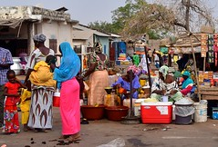Senegal- near Diaobè (venturidonatella) Tags: senegal africa diaobè mercato market persone people gentes gente colori colors ritratti portraits nikon d500 nikond500 strada street scene lifestreet photography