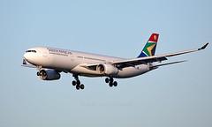 ZS-SXM - Airbus A330-343 - LHR (Seán Noel O'Connell) Tags: southafricanairways zssxm airbus a330343 a330 a333 heathrowairport heathrow lhr egll jnb faor sa234 saa234 09r aviation avgeek aviationphotography planespotting