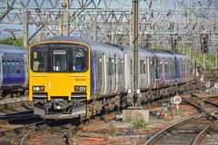 150145+135, Manchester Piccadilly (JH Stokes) Tags: class150 northernrail sprinters manchesterpiccadilly 150145 trains trainspotting tracks transport railways photography publictransport