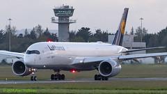 DAIXA A350 Lufhansa (Anhedral) Tags: daixa airbus airbusindustrie a350 a359 a350900 lufthansa dlh lh412 beacon airliner airplane einn snn shannonairport