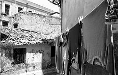 Bucato e mutande (michele.palombi) Tags: southitaly calabria film35mm analogicshot oldtown crotone bucatoemutande