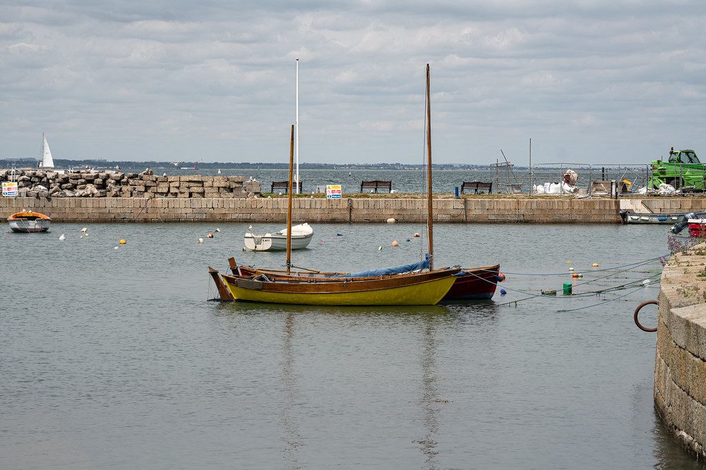 BULLOCK HARBOUR [ONE OF TWO HARBOURS IN DALKEY]-154045