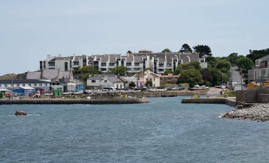 BULLOCK HARBOUR [ONE OF TWO HARBOURS IN DALKEY]-154022