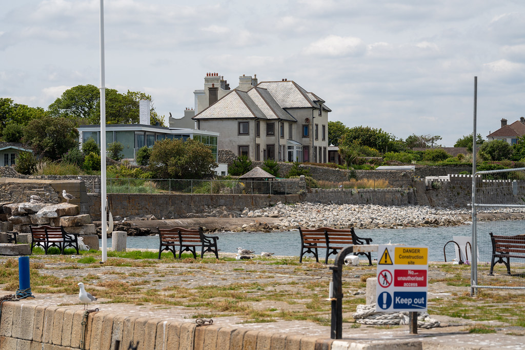 BULLOCK HARBOUR [ONE OF TWO HARBOURS IN DALKEY]-154053