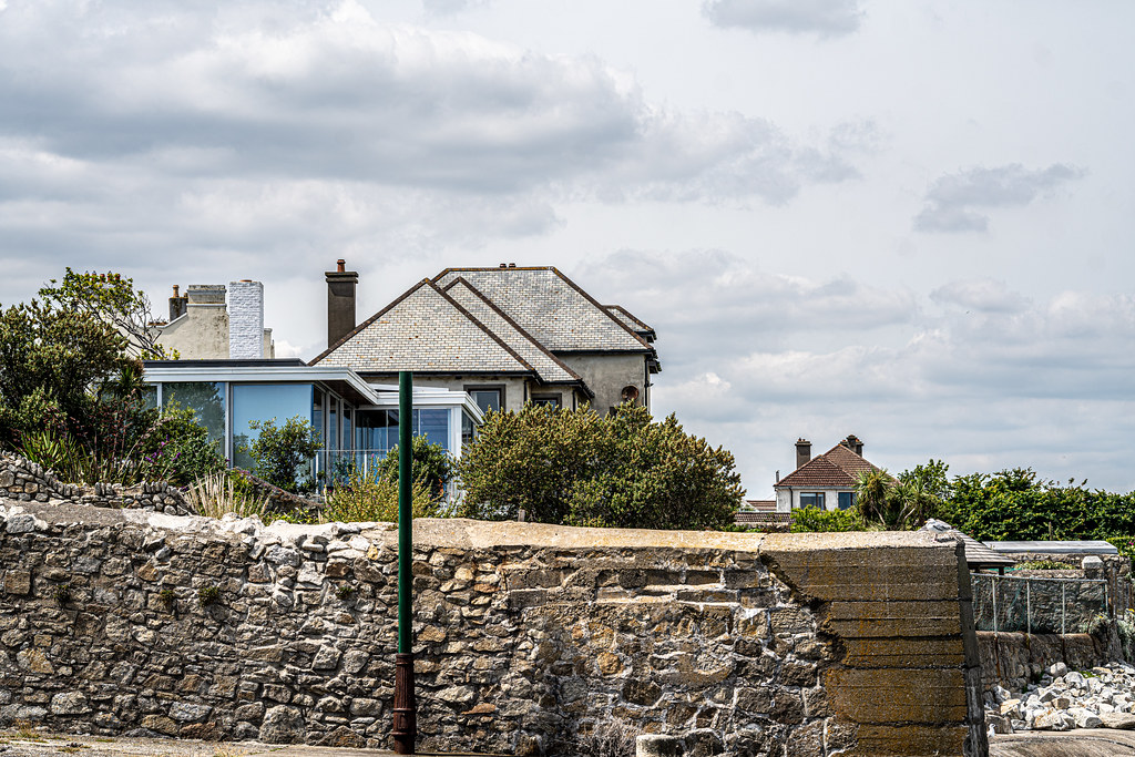 BULLOCK HARBOUR [ONE OF TWO HARBOURS IN DALKEY]-154035