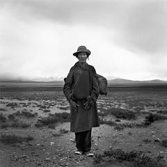 tibet1999_100 (Shinya Arimoto) Tags: tibet 6×6 bw tmax400 tibet1999 rolleiflex xenotar 80mm f28 portrait