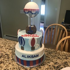 Hot air balloon cake (thedeguzmans1) Tags: blue white red fondant cake hotairballoon