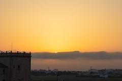 Amanecer en Valencia 07 (dorieo21) Tags: nube cloud nuage amanecer sunrise aurore nikon torre tower tour sun sol soleil