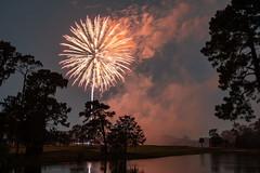 4th of July Fireworks, Jacksonville, Florida (takasphoto.com) Tags: apsc cmos4 fuji fujixt3 fujifilm fujifilmxt3 mirrorless xt3 xtrans フジ フジフィルム 富士フィルム jacksonville florida unitedstatesofamerica fireworks firework ألعابنارية 火薬 烟火 花火 花火大会 fl floridastate floride джэксонвилл جکسونویل فلوريدا फ्लोरिडा แจ็กสันวิลล์ 잭슨빌 フロリダ フロリダ州 佛罗里达州 independence independenceday andrewjackson duvalcounty firstcoast jacksonvillebeaches jacksonvilleflorida jax northernflorida southeast stjohnsriver сентджонс גקסונוויל جاكسونفيل जैक्सनविल แม่น้ำเซนต์จอห์น ジャクソンビル 杰克逊维尔 聖約翰河 night noche nuit 夜 1655mm f28 xf xflens xf1655mmf28rlmwr