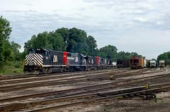 Wenona Yard (Erie Limited) Tags: centralmichigan cmgn baycitymi emd gmd gp402l gp402lw train railfan railroad