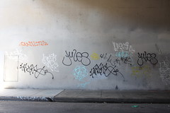 (Laugh now, smile later) Tags: graffiti bayarea eastbay oakland tags qwilts frito jules user dull