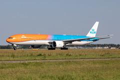 PH-BVA KLM Royal Dutch Airlines Boeing 777-306(ER) (buchroeder.paul) Tags: eham ams amsterdam schiphol airport flughafen the netherlands niederlande europe europa ground boden orange pride phbva klm royal dutch airlines boeing 777306er