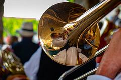 Reflet harmonique (patrick Thiaudiere, + 3,5 millions view) Tags: reflet reflexion reflection miroir miror instrument trompette saxo orchestre gold or cuivre coper jouer musique musik bokeh focus chemiseblanche harmonie fete